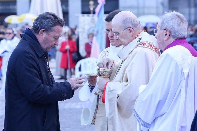 Misa solemne con motivo de la Festividad de Nuestra Señora de la Almudena en Madrid