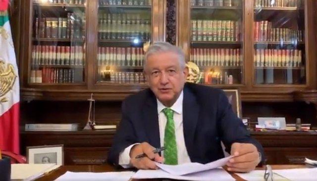 Estos son los detalles del polémico memorándum firmado por López Obrador para paralizar la reforma educativa