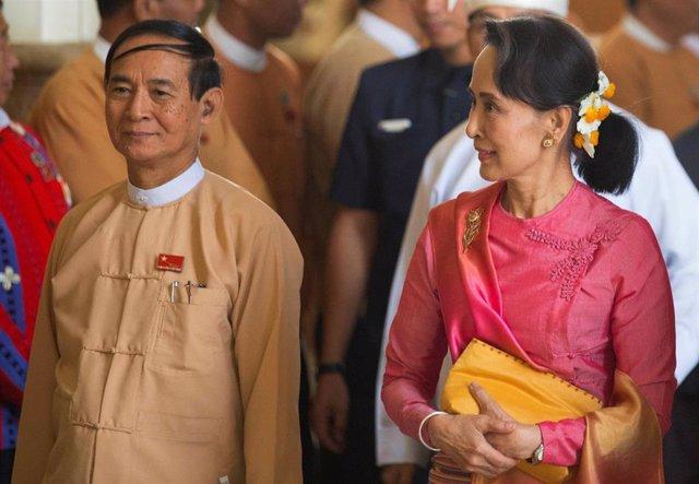 Aung San Suu Kyi y el nuevo presidente de Birmania, Win Myint