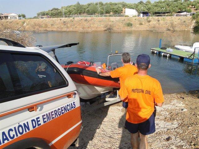 Voluntarios de Protección Civil.