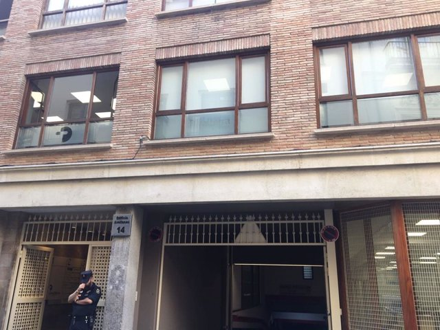 La Policía Nacional registra la empresa Divalterra en Valencia