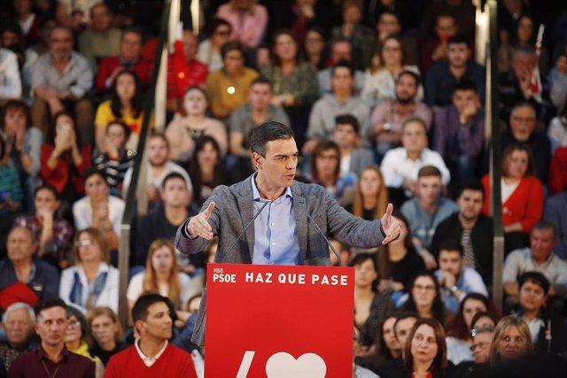 España.- Sánchez señala que tenderá la mano a Podemos pero elude precisar si les incluirá en el Gobierno