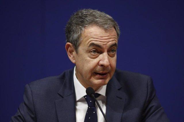 """Zapatero pide no """"demonizar"""" a los independentistas sino tenderles la mano para ayudarles a """"rectificar"""""""