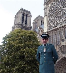 La Guardia Civil envía una carta de apoyo al Rector de la Catedral de Notre Dame