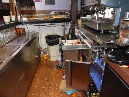 Detenida una pareja por robar monedas y botellas en una sidrería de Santander