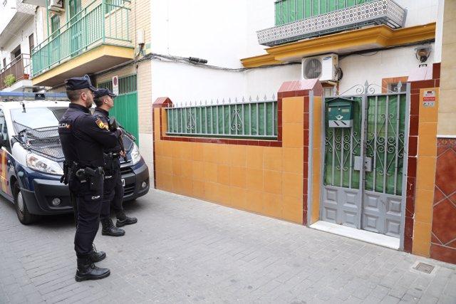 Recursos de Policía Nacional, agente, agentes, policía, policías, arma, armas