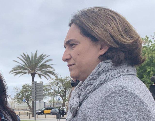 """Colau demana a Sánchez que rectifiqui i deixi """"salvar vides"""" a l'Open Arms"""