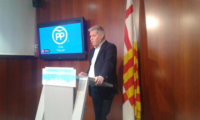 Alberto Fernández (PP) reprocha a Colau rebajar la tesorería municipal un 52% este mandato