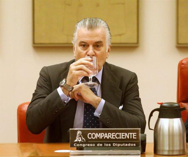 García Castaño apunta que el comisario Gómez Gordo se hizo con los discos duros de Bárcenas en la operación 'Kitchen'
