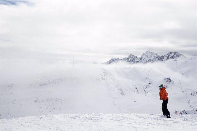 S.Santa.- Les estacions d'Andorra tenen gairebé totes les pistes obertes i un  metro de nieve