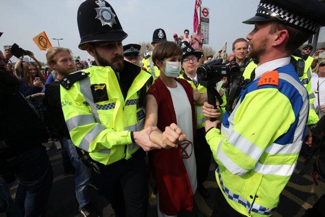Clima.- Ya son más de 400 los detenidos en el marco de las protestas contra el cambio climático en Londres