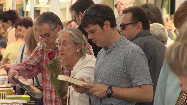 Jornada de Sant Jord en las Ramblas de Barcelona