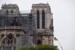 Les autoritats franceses prohibeixen als Armilles Grogues manifestar-se al voltant de Notre-Dame (REUTERS / BENOIT TESSIER)