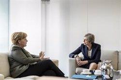 Juncker opina que la cancellera Merkel estaria