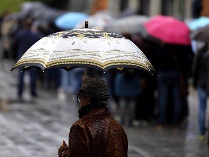 El temporal deja cerca de 200 litros en Torrevieja e inunda los principales accesos