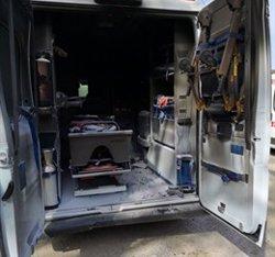 Roben una ambulància a Llagostera i apareix parcialment cremada en una urbanització de Caldes de Malavella (ACN)