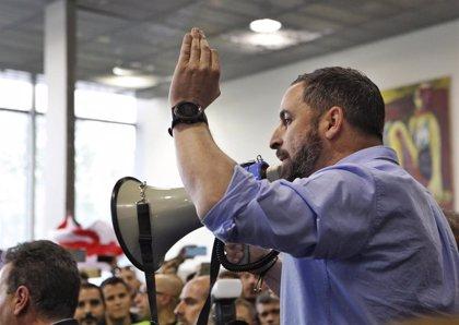 Abascal sugiere que sobran parlamentos regionales y ataca al Estado de las autonomías