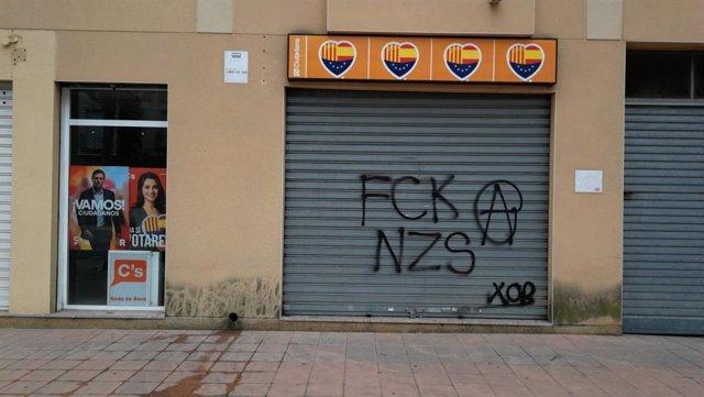 Cs denuncia pintadas en su sede de Roda de Ber (Tarragona)