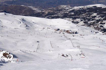 Sierra Nevada registra en Semana Santa 53.000 esquiadores y una ocupación hotelera del 70%