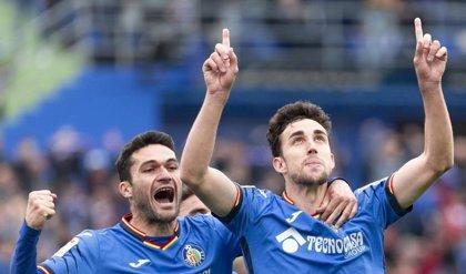El Getafe supera al Sevilla, el Valencia lo aprovecha y el Villarreal aleja la quema