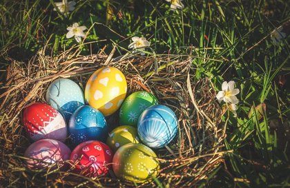 ¿Sabes por qué se regalan huevos y conejos de chocolate en Pascua?