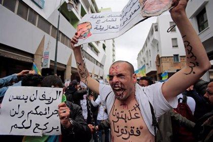 Miles de personas marchan por Rabat para pedir la liberación de los activistas del Rif