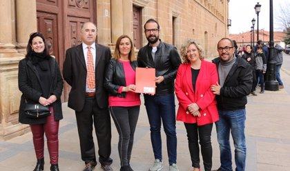 Ángel Hernández y Judith Villar acompañan a Barcones en cabeza de la lista del PSOE de Soria a las Cortes
