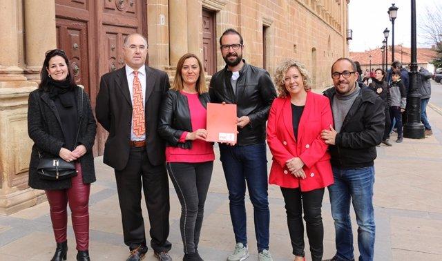 26M.- Ángel Hernández Y Judith Villar Acompañan A Barcones En Cabeza De La Lista Del PSOE De Soria A Las Cortes