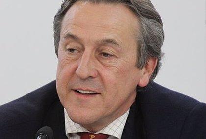 Vox sitúa al periodista Hermann Tertsch en la lista para las elecciones europeas, que encabezará Jorge Buxadé