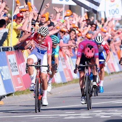 Van der Poel reina en un brillante final de la Amstel Gold Race