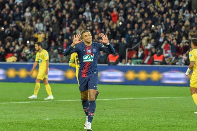 FOOTBALL - FRENCH CUP - 1/2 FINAL - PARIS SAINT GERMAIN v FC NANTES