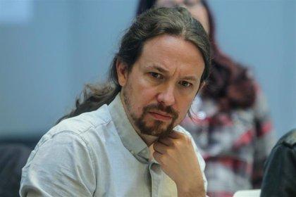 Iglesias prepara los debates electorales en su casa, estudiando, y en contacto permanente con su equipo