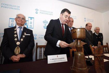 El Ejecutivo gallego destaca la importancia de la cultura popular en la Festa da Augardente de Portomarín (Lugo)