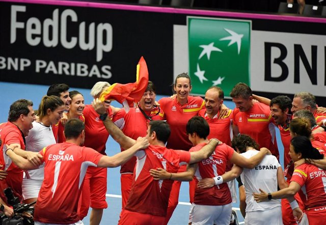 Tenis/Copa Federación.- Muguruza y Carla unen fuerzas para devolver a España al Grupo Mundial