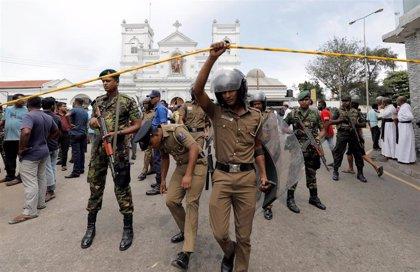 La Policía detiene a 24 personas en relación con la ola de atentados que ha dejado 290 muertos en Sri Lanka