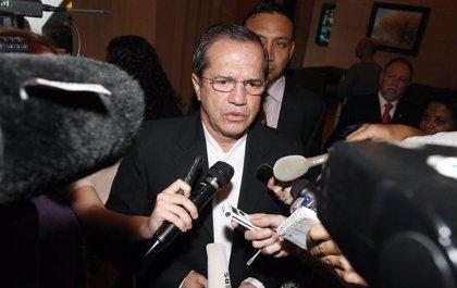 Dictan prisión preventiva contra el excanciller de Ecuador Ricardo Patiño por un presunto delito de instigación