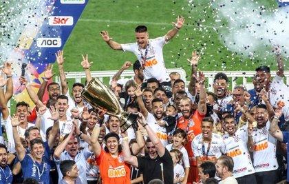 Corinthians conquista el Campeonato Paulista y Flamengo, el Carioca