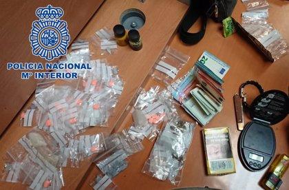 Detenida una menor que traficaba con varios tipos de droga en el parque del Retiro