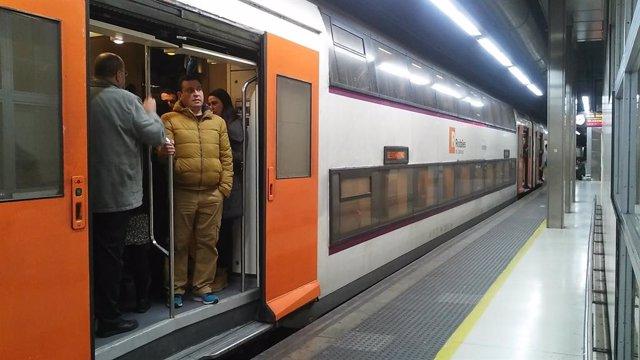 AMP.- Successos.- Renfe retira els vigilants que van colpejar un passatger a la plaa Catalunya