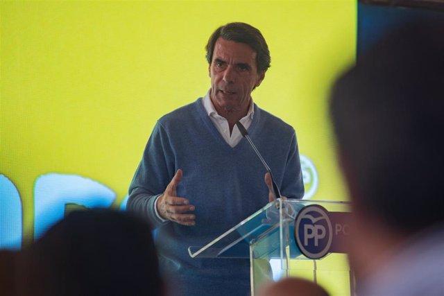 Acto del PP en Elche (Alicante) con el expresidente del Gobierno José Mª Aznar,