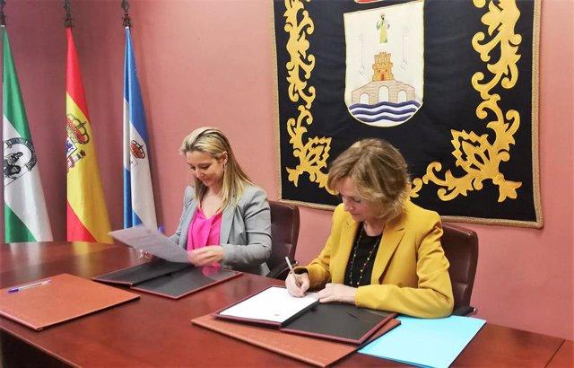 Sevilla.- Ayuntamiento de Alcalá y UPO firman la adenda del convenio para el desarrollo del Aula Abierta de Mayores
