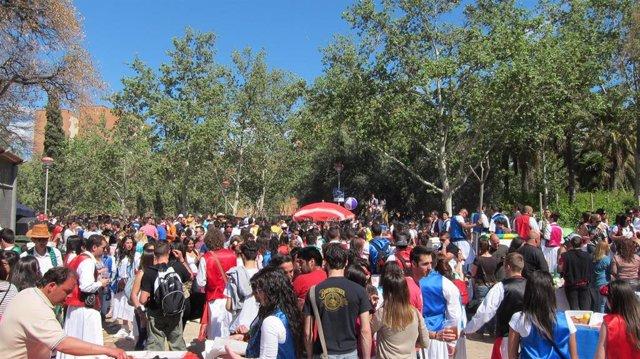 Cientos De Personas En El Parque De La Fama En El Bando De La Huerta 2012
