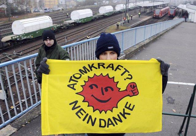 Alemania.- Ecologistas se manifiestan en Alemania contra una nueva línea de alta tensión subterránea