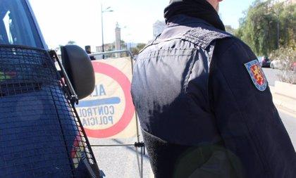 Detenida una pareja por vender droga en Burjassot después de que la chica intentara tirarla al váter