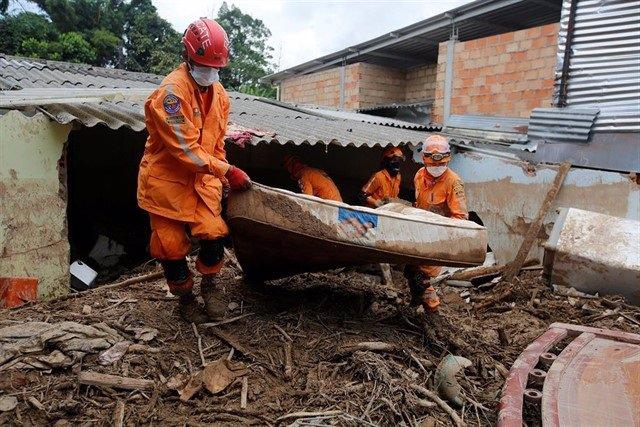 Aumentan a 19 los muertos por un deslizamiento de tierra en el oeste de Colombia