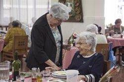 Sant Jordi.- Torra, Colau i Carme Ruscalleda regalaran roses a persones grans