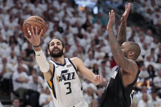 Baloncesto/NBA.- Rubio y Mitchell dan vida a los Jazz y los Bucks barren a los Pistons con buen aporte de Mirotic