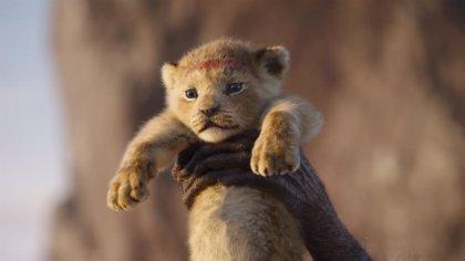 """Jon Favreau promete que el remake de El rey león """"sorprenderá al público"""""""