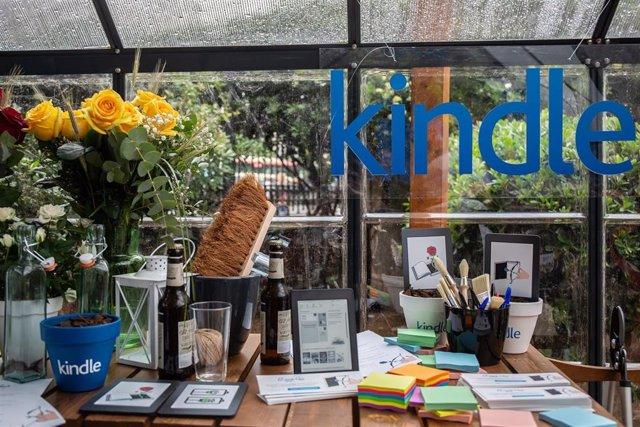 Sant Jordi.- Amazon crea la primera floristería digital y regala un libro y rosas digitales