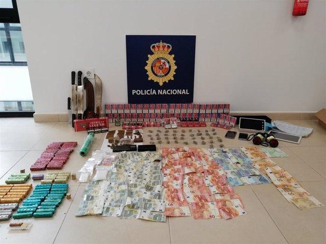 "Cádiz.-Sucesos.- Detenidos dos hermanos en Sanlúcar por montar un ""quiosco de droga"" anexo a su vivienda"